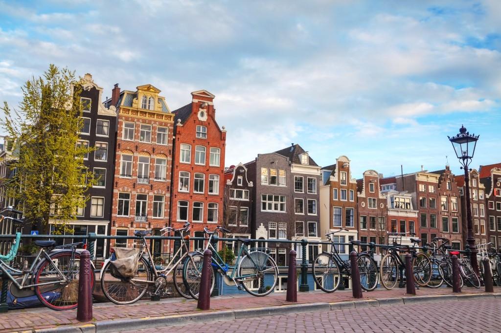 fietsvakantie amsterdam grachten en hollandse historie. Black Bedroom Furniture Sets. Home Design Ideas